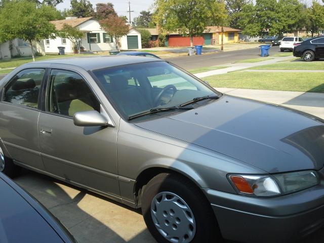 98 Toyota Camry LE